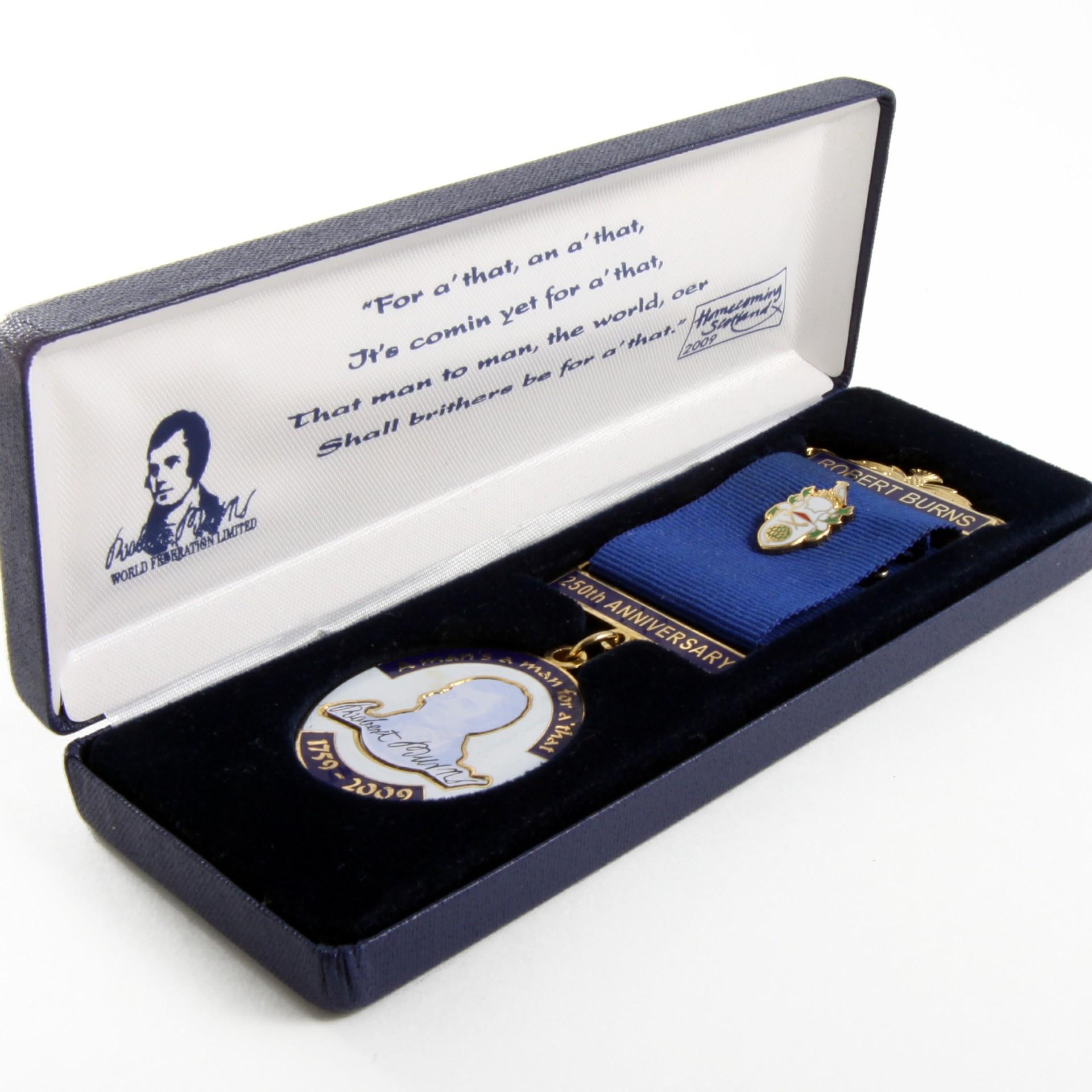 Rabbie Burns Medal Packaging
